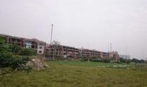 Biệt thự, nhà liền kề Hà Nội: Găm giữ hàng loạt rồi bỏ hoang