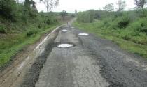 Đắk Lắk: Nghịch lý đường chờ đã hư hỏng, cầu qua sông vẫn… chưa xây