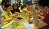 Giá vàng hôm nay 12/1: Biến động mạnh theo đồng USD