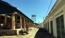 Chợ hoang trong phố