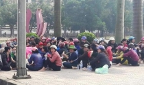 Hà Tĩnh: Hàng trăm tiểu thương bãi thị đòi Chủ tịch tỉnh giữ lời hứa