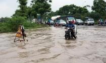 """Hàng loạt đô thị phía Tây Hà Nội """"khóc thét"""" vì ngập"""