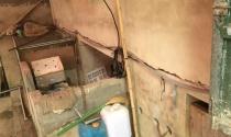 """Ngọc Lặc (Thanh Hóa): Nổ mìn phá đá khiến nhiều nhà dân bị nứt, giếng nước """"bỗng nhiên"""" cạn khô"""