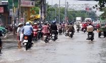 """Quận Bình Tân nói gì về đường Hồ Học Lãm """"tụ nước""""?"""