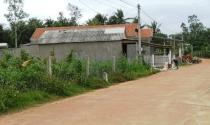 Cán bộ thôn tự phân lô, chia đất cho người khác để lấy tiền