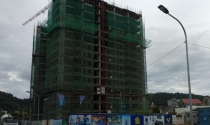 """Chuyện lạ Nghệ An: Đường vào rộng 6m, nhưng """"nhét"""" chung cư 22 tầng"""