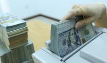 Giá USD tự do thấp hơn giá USD mua – bán tại ngân hàng