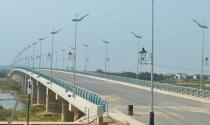 Cầu Thạch Bích trị giá hơn 600 tỉ vẫn... nằm chờ đường dẫn