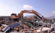 Nha Trang cưỡng chế giải toả 45 căn nhà xây dựng trái phép