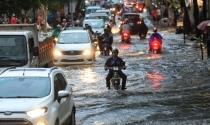 TP.HCM: Mưa đầu mùa, vì sao nhiều khu vực đã ngập nặng?