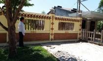 Thừa Thiên – Huế: Bị đại gia bít đường, đoàn kiểm tra phải leo tường kiểm tra resort sai phạm