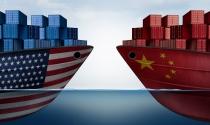 """Trung Quốc """"còng lưng"""" làm lụng tiết kiệm cho Mỹ vay tiền hưởng thụ"""