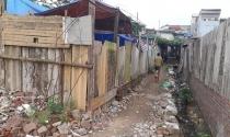 Lao xao phận ngụ cư ven sông Hồng: Chuyện ở xóm đồng nát, bốc vác