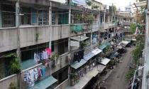 Cận cảnh các chung cư xuống cấp nghiêm trọng ở TPHCM