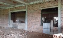 Vĩnh Phúc: Cận cảnh trường học trăm tỷ biến thành trại gà hoang hoá