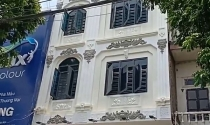 """Đông Anh, Hà Nội: Ngang nhiên vi phạm trước cửa """"quan"""""""