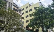 Hà Nội: Lạ lùng công trình 'khủng' đục thông gần 40 cửa sổ sang hộ liền kề