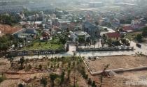 """""""Xóm biệt thự"""" không phép ở Quảng Ninh: Chính quyền địa phương nói gì?"""