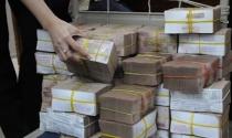 Hàng chục ngàn tỉ đồng không người vay