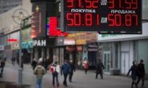 """Thị trường tài chính Nga """"trúng đạn"""""""
