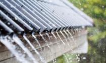 Cách xử lý trường hợp mái nhà hàng xóm chảy nước mưa qua nhà mình