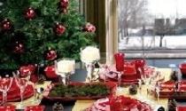 Bàn tiệc rực rỡ cho đêm Giáng Sinh
