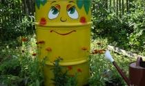 Làm đẹp thùng phi cũ trang trí sân vườn
