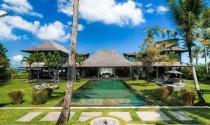 Độc đáo khu nghỉ dưỡng đầy cổ vật bên bờ biển Bali