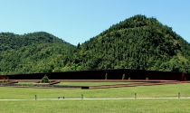 Bảo tàng tưởng niệm tựa địa đạo khổng lồ ở Tứ Xuyên