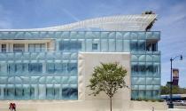 Cấu trúc kính xanh đột phá nổi bật giữa California
