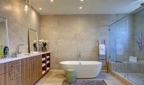 Phòng tắm đẹp hút mắt với thảm trang trí
