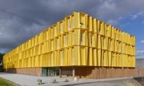 Ngắm dãy nhà tổ ong màu nắng tại Pháp