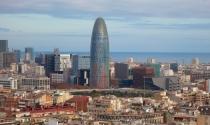 Cao ốc chọc trời hình viên đạn ở Barcelona