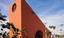 Ngắm bảo tàng hình thước ê ke khổng lồ ở Ấn Độ
