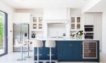 Kết hợp màu sắc trang trí nhà bếp màu trắng