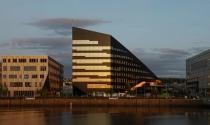 Tòa nhà năng lượng đa giác xéo khổng lồ