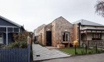 Ngôi nhà ván gỗ lạ mắt ở Úc