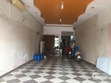 Cho thuê nhà mặt phố Nguyễn Văn Cừ,vị trí đẹp, Giá 20tr/tháng, LH:0375661839