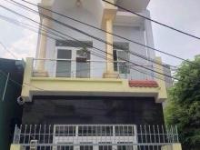 Nhà gần chợ Hưng long, 1 trệt 1 lầu, giá 1,9 tỷ, Bình Chánh.