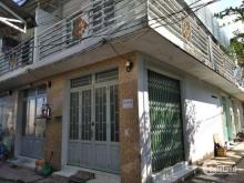 Chính chủ bán nhà 2MT, sau chợ Hưng Long, Bình Chánh, giá 650 triệu.