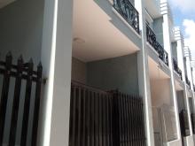 Nhà gần chợ Hưng Long cách chợ chỉ hơn 1km, 1 trệt 1 lầu đường xe hơi giá 888 tr