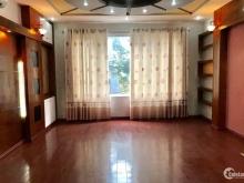 Bán nhà Ngã Tư Sở phân lô ô tô vào nhà, 60m2 giá 6.4 tỷ