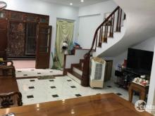 Bán gấp nhà Dịch Vọng Hậu nhà mới đẹp 39m 5T 3.65tỷ LH 0911426186.