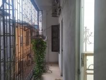 Bán nhà mặt ngõ đường La Thành, Kinh Doanh như phố, giá rẻ.