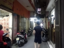 Bán nhà mặt ngõ Cẩm Văn. Mặt tiền rộng, kinh doanh đa dạng.