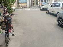 3.25 tỷ,hàng hiếm độc ôtô đỗ cửa sát hồ tây, Phố Nguyễn Đình Thi.