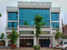 Bán nền biệt thự góc Vip sau shophouse cho đại gia đường 25m lh 0975994322