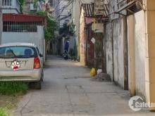 Đất hiếm, nhỏ xinh, ô tô vào tại phường Ngọc Thụy. Lh 0903440669