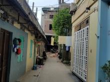 Chính chủ cần tiền bán đất 35m2 phố Gia Quất, Long Biên