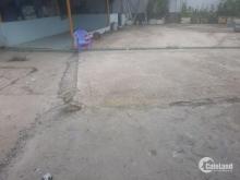 Bãi giữ xe có mái xe rộng 1000m2- trong cây xăng hòa hiệp NGUYỄN VĂN LINH